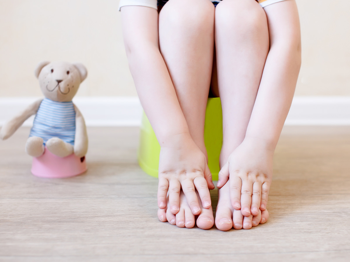 13 Ways to Keep Your Potty Training Toddler Busy
