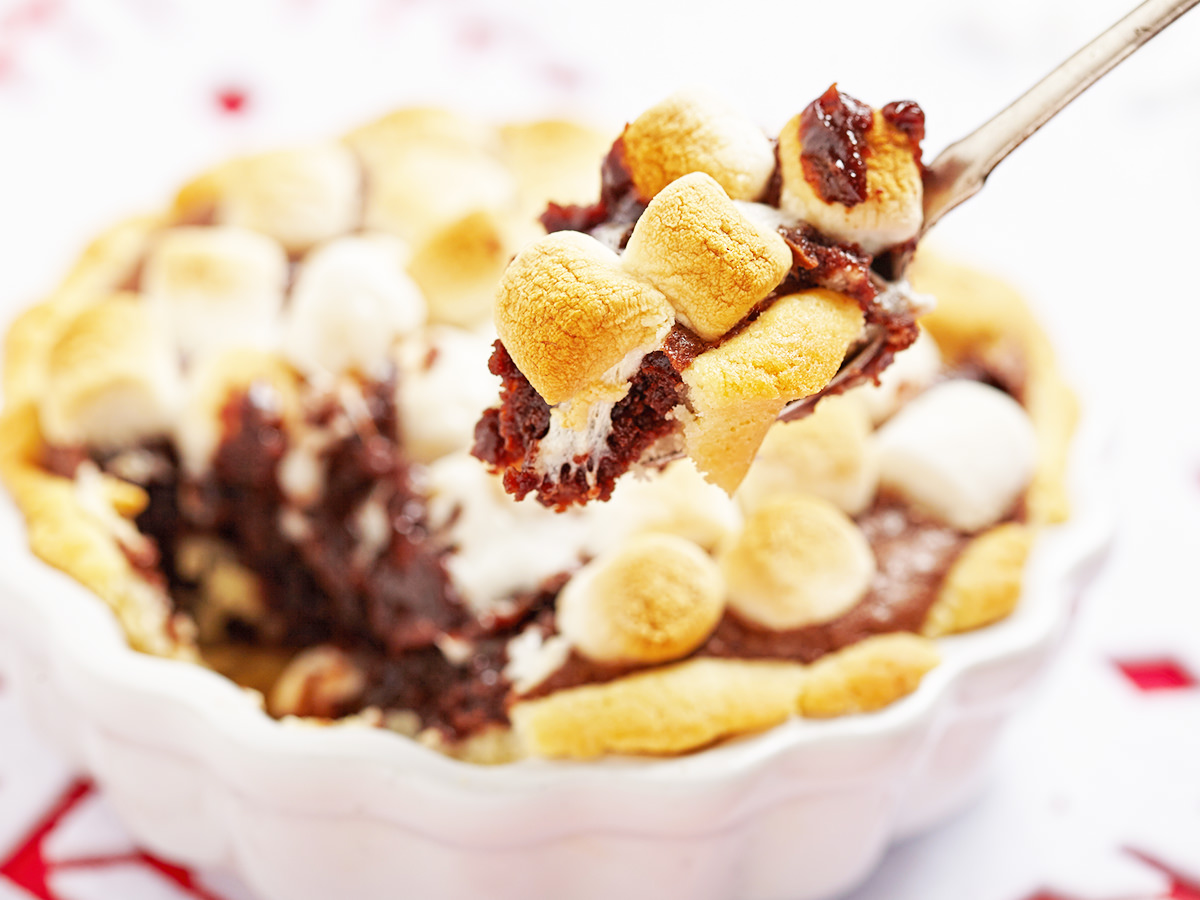 How to Make Easy S'mores Brownies