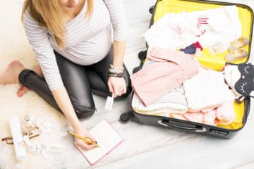 What A New Mom REALLY Needs In Her Hospital Bag For Birth