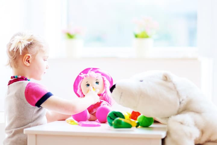 6 Ways to Encourage Independent Play for Your Toddler