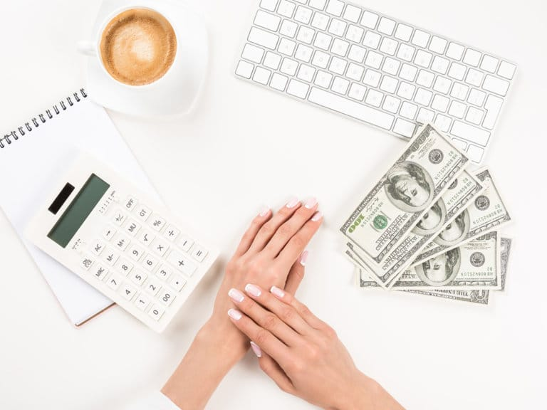 4 Ways I Slashed Expenses by Being a Work-at-Home Mom