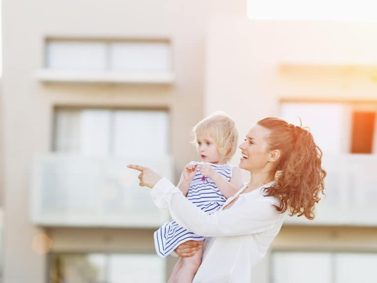 How to Live Life in the Moment by Modeling Your Preschooler