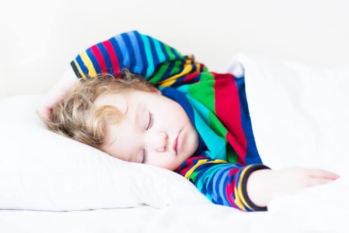 6 Natural Ways to Help Your Child Fall Asleep at Night