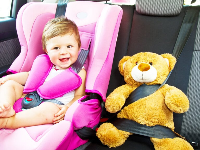 How to Keep Little Kids Busy on Long Road Trips