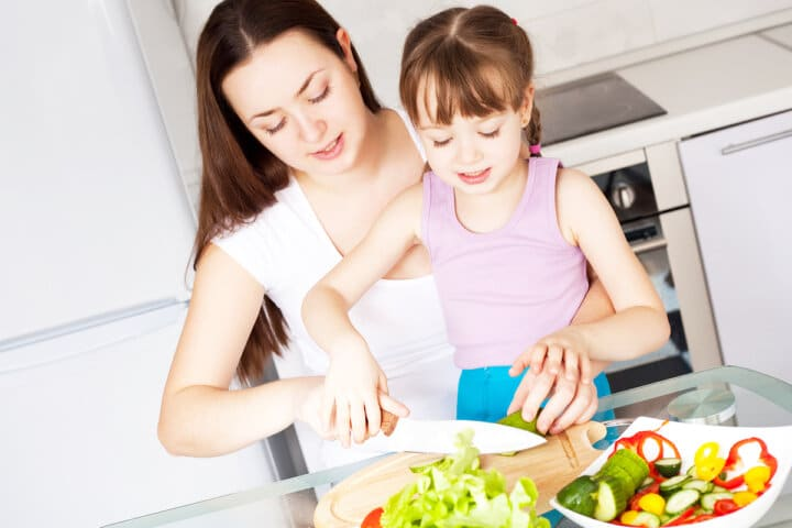How Busy Moms Can Encourage Kids to Be Healthy