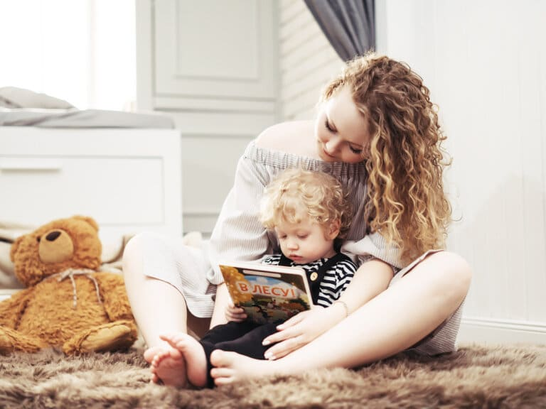 10 Practical Ways to Help Your Kids Fall in Love With Books