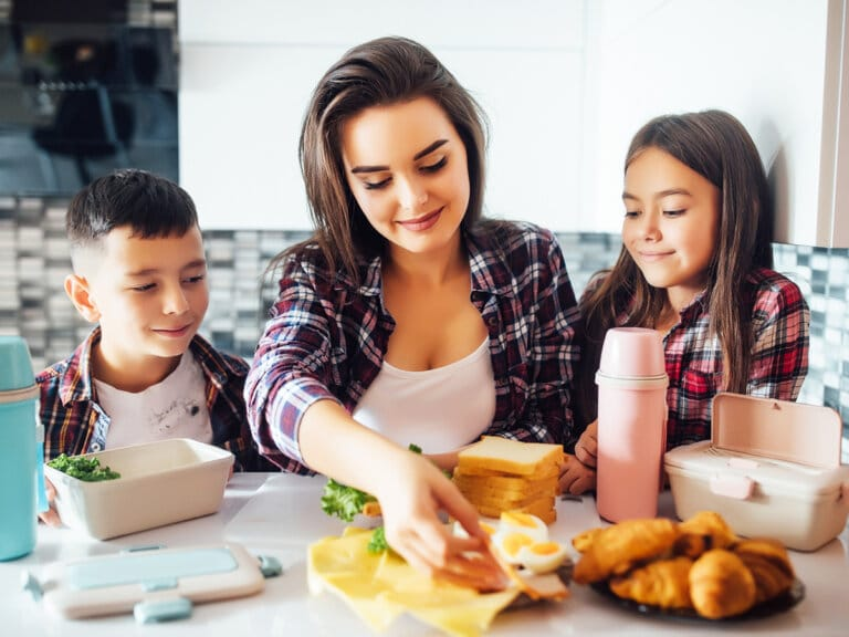 How I Got Healthy After Having 3 Kids: A Cost Effective Lifestyle Program for Moms