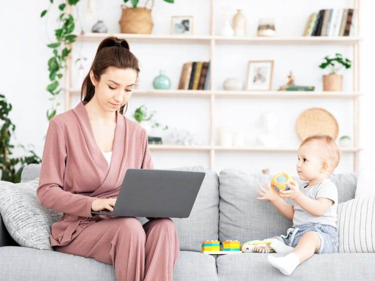 How Mompreneurs Get Things Done – 5 Productivity Hacks to Help You Now