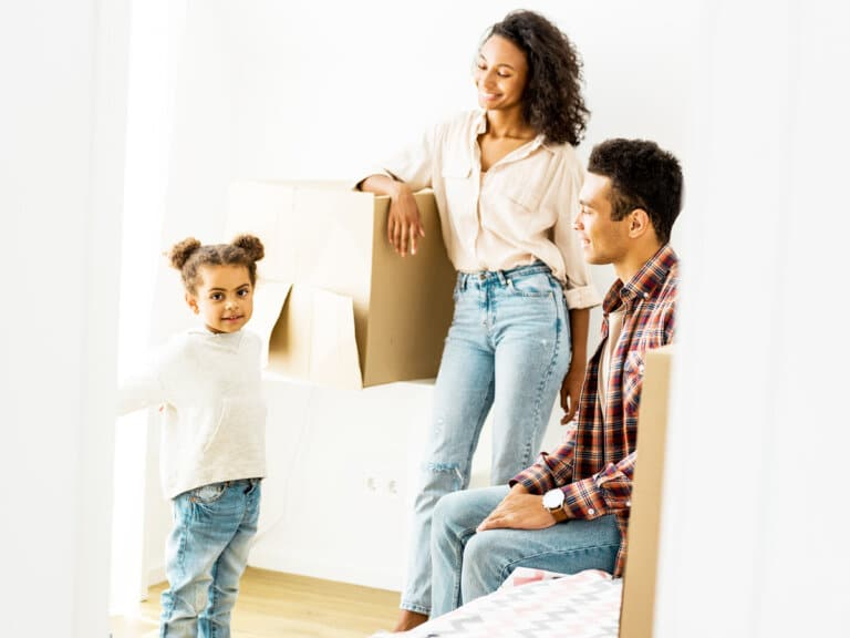 7 Effective Tips for Moving Into a New House with Kids (From a Military Spouse)