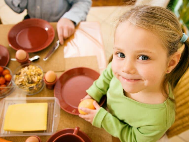 6 Ways to Encourage Kids to Try New Foods
